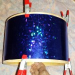 Wrapping the tom-tom Tiny DIY Drum Kit